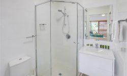 Apt 12 - Bathroom